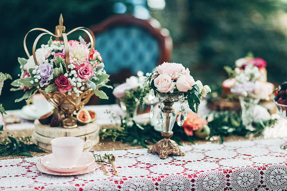 Alice In Wonderland Mad Hatters Tea Party Inspired Wedding Inspiration Shoot Using Top Australian Wedding Suppliers Rockstars And Royalty Swish Vintage And Peony N Pearl With Images By Miss Gen Photography