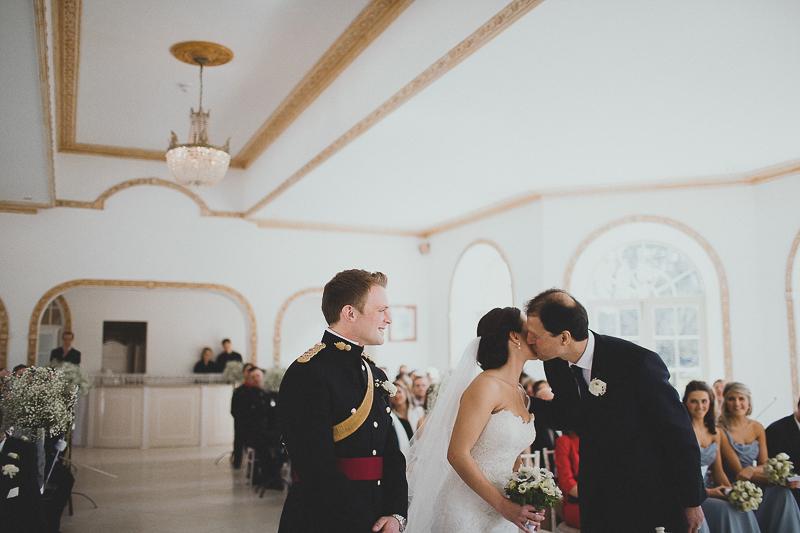 unique-northbrook-park-wedding-photography-louie-shep-1139