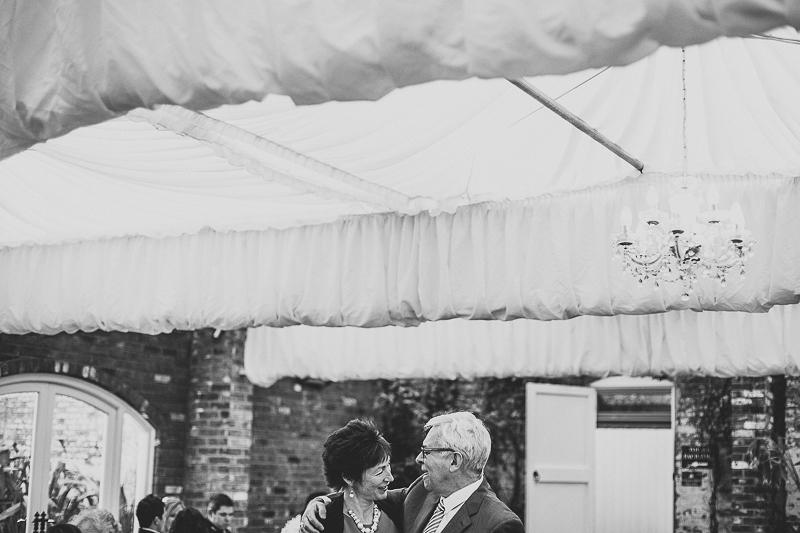 unique-northbrook-park-wedding-photography-louie-shep-1372