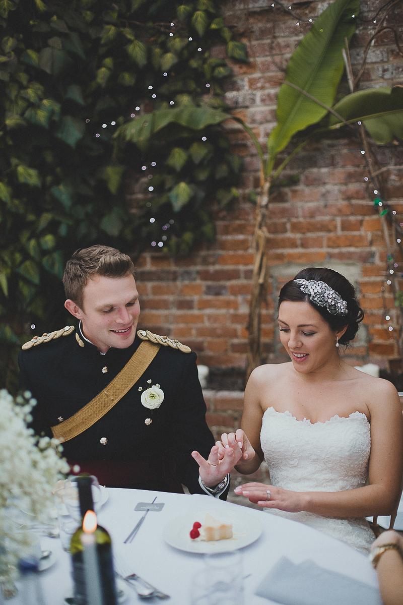 unique-northbrook-park-wedding-photography-louie-shep-1376
