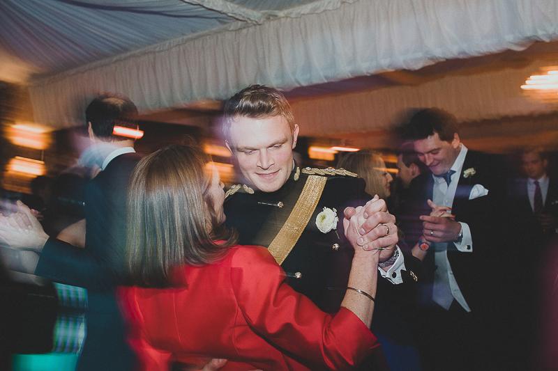 unique-northbrook-park-wedding-photography-louie-shep-1460