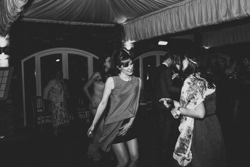 unique-northbrook-park-wedding-photography-louie-shep-1490