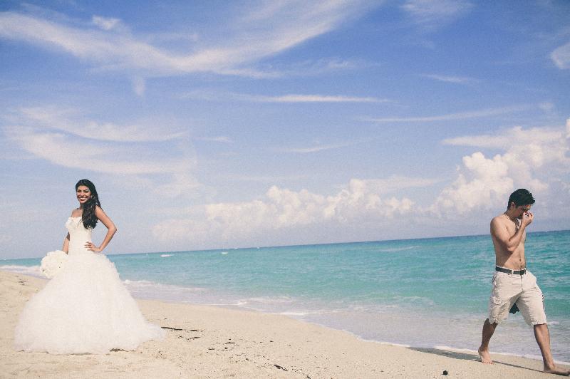 A UK Destination wedding on the beach in Miami, Florida.