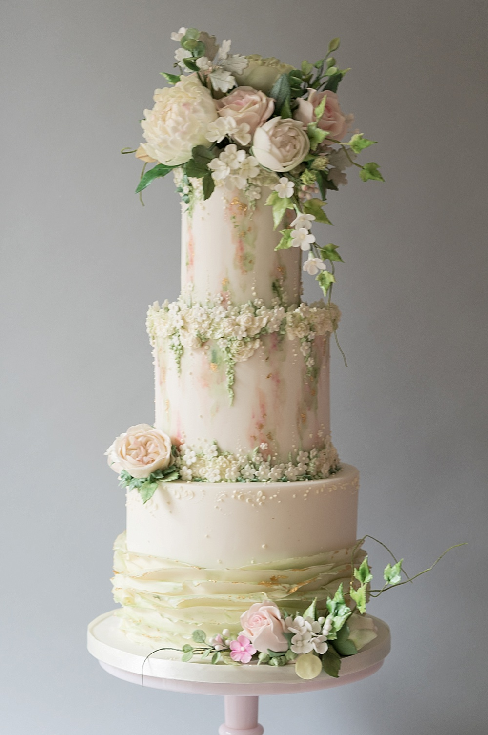 Iced wedding cakes from top uk wedding cake makers rmw the list summer breeze cake by the frostery junglespirit Image collections