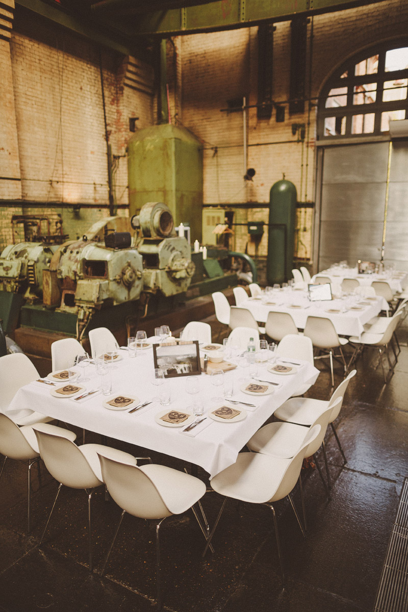 A hip city wedding held at an power station art gallery in East London with a Cymbeline 1930s inspired dress. sallyadam_400