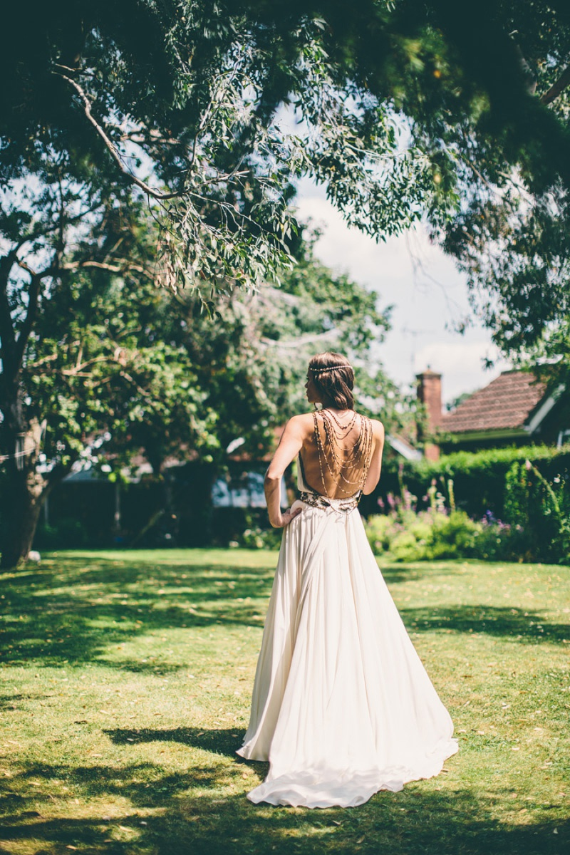 A Maid Marian Festival Inspired Wedding At Glebe Farm With An Amanda Wakeley Cleopatra Dress, Mismatched Bridesmaids And A Vintage Rosie Weisencrantz Headpiece._0005