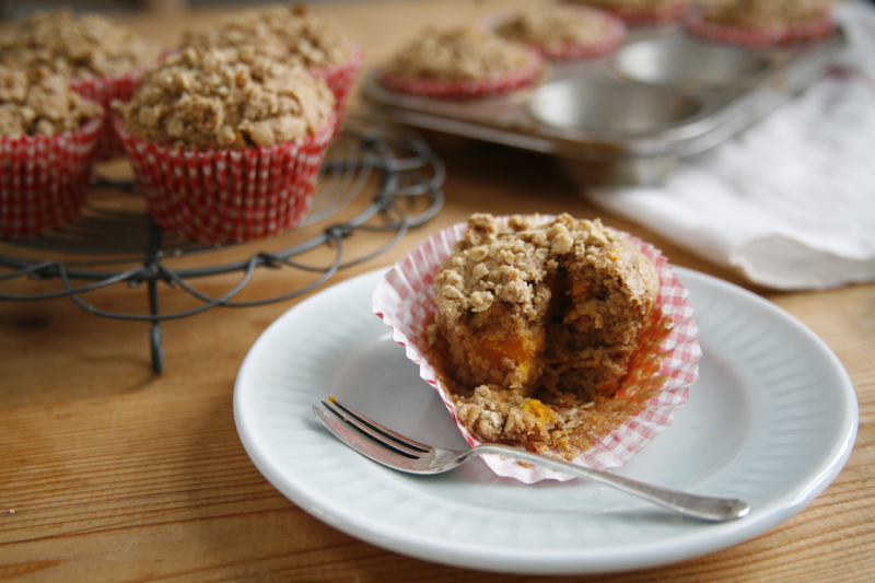 Easy-Recipe-for-Spiced-Pumpkin-Muffins-Crumble