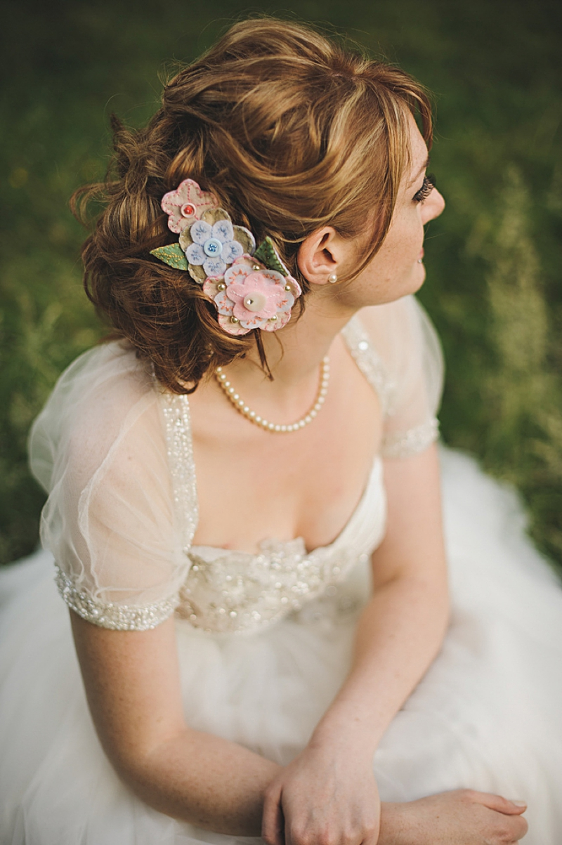 An English country garden tea party wedding with vintage touches at Valentines Mansion. Rachael Simpson shoes and photographs by Rik Pennington_0014
