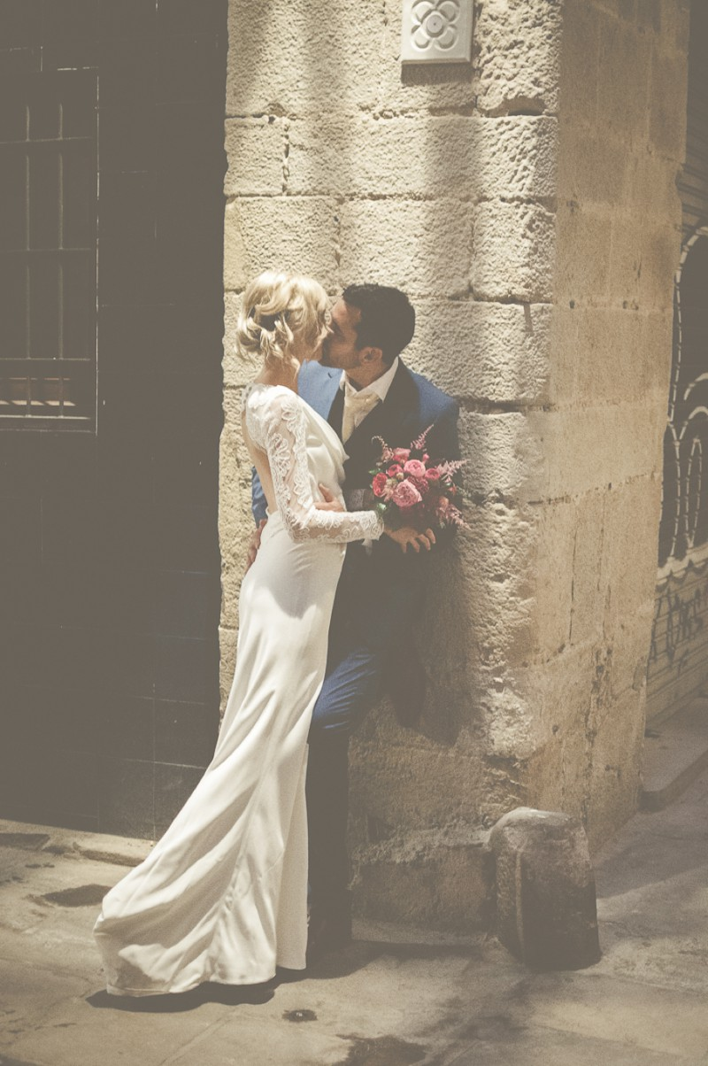 An Intimate And Luxurious Destination Wedding In Barcelona With A Suzanne Neville 'Regency' Dress And A Jenny Packham 'Valentine' Headpiece By Modern Vintage Weddings Photography._0009
