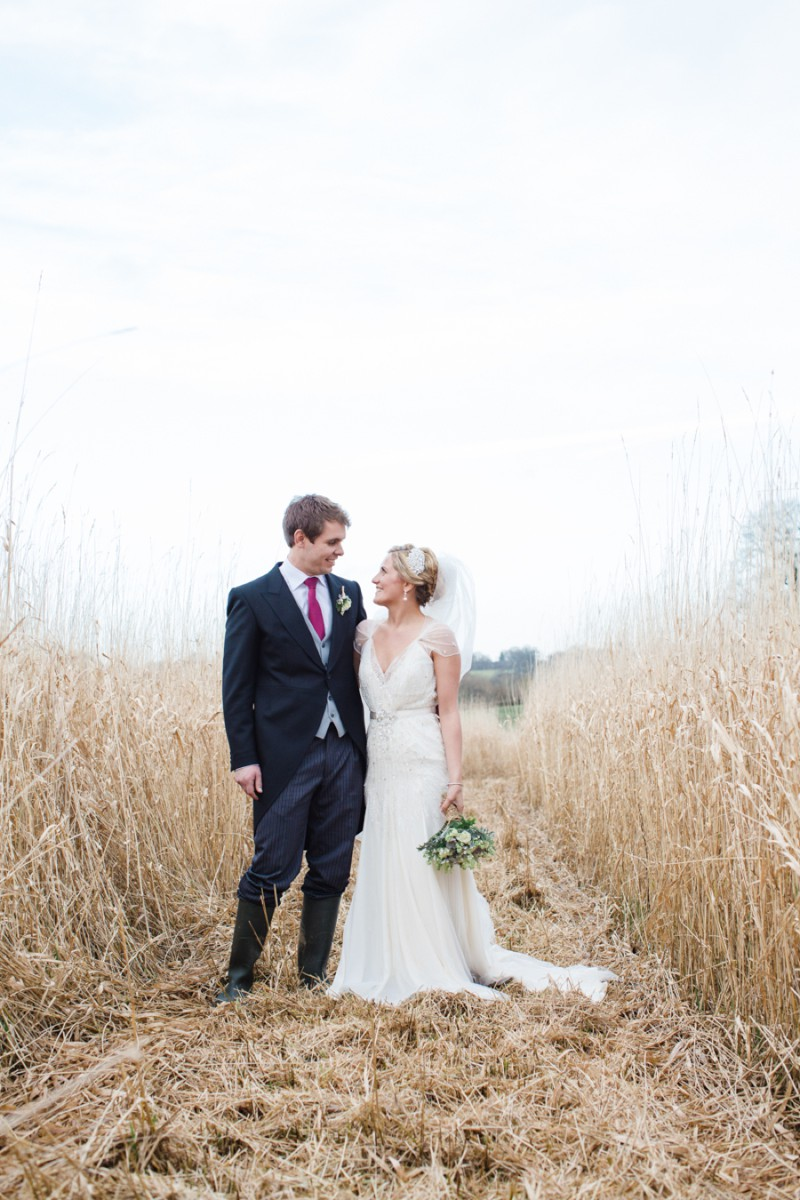 A Warm Winter Glamorous Rustic Wedding With A Jenny Packham Dress And Blue Toned Bouquet With Photography By Lucy Davenport._0007