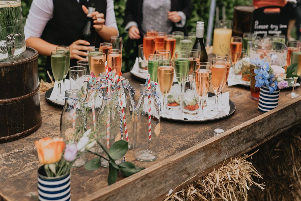 Calculate how much alcohol you need at a wedding