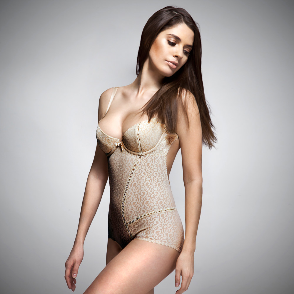 MIA backless bodice NUDE (front)
