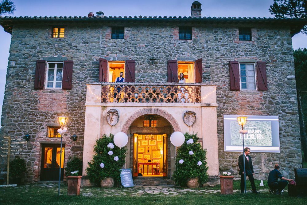naomi neoh bridal gown for an outdoor italian wedding at