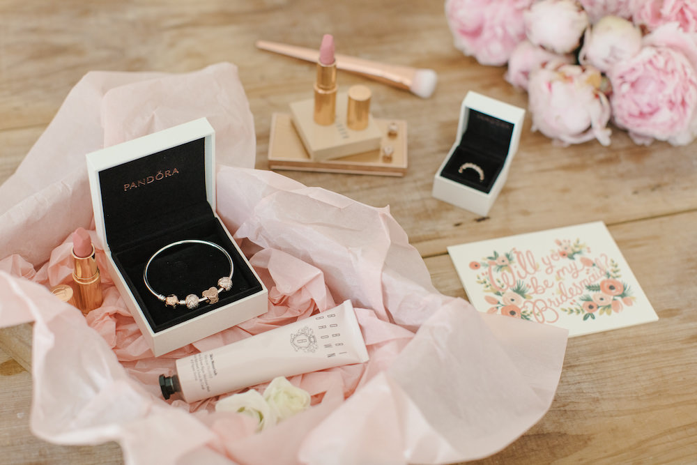 Gifts For Bride On Wedding Day From Bridesmaid: Perfect Bridesmaid Gift Boxes - ROCK MY WEDDING