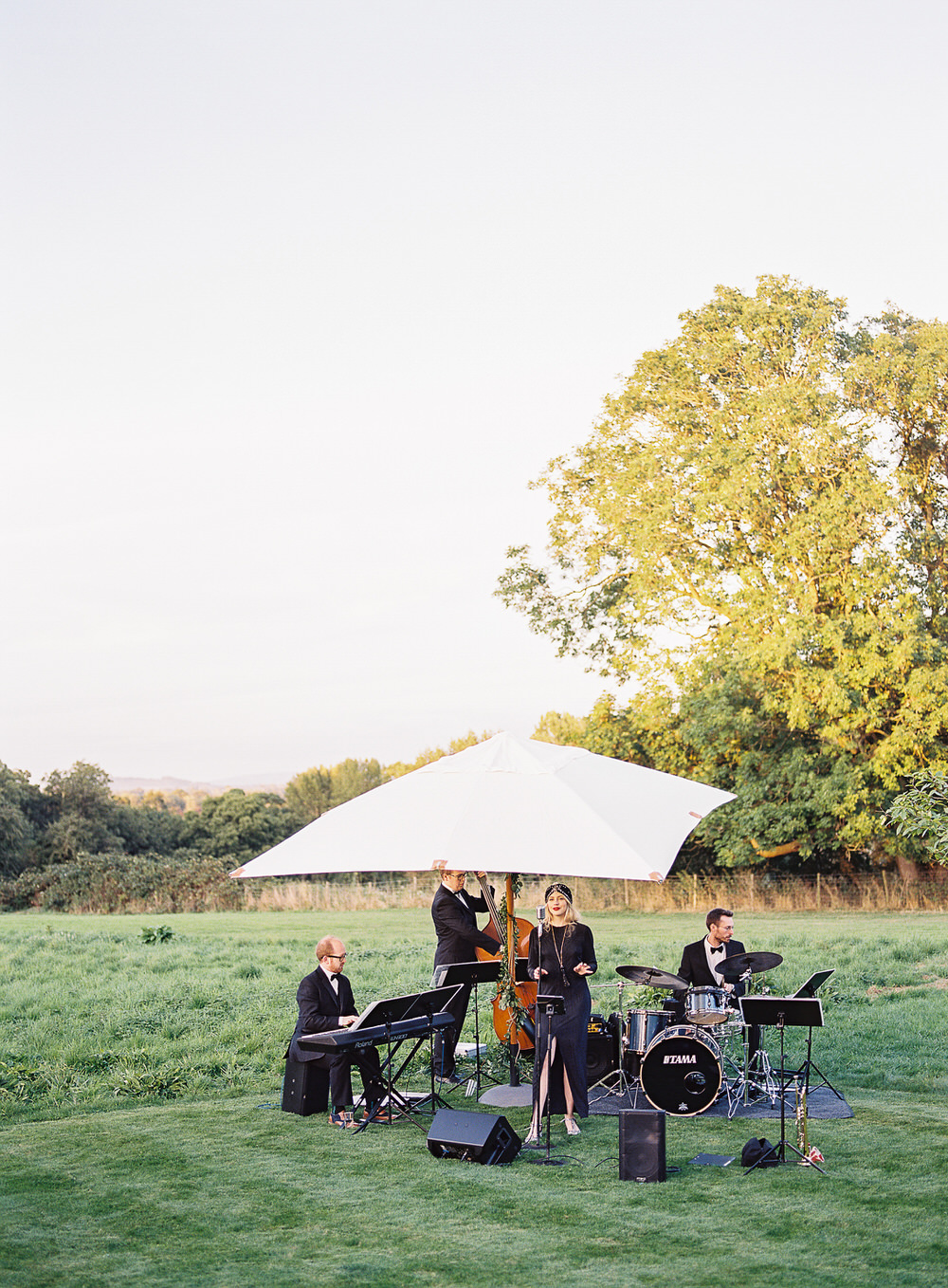 Acoustic Jazz Band For Wedding // Image By Ann Kathrin Koch