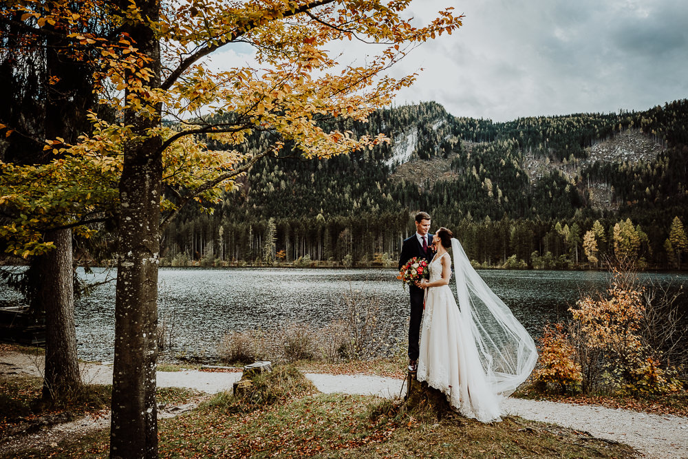 Intimate Hallstatt Elopement Wedding with Lace Angelic Bridal Gown and Reception at Genuss Gasthaus Kohlröserlhütte, shot by Wild Connections Photography