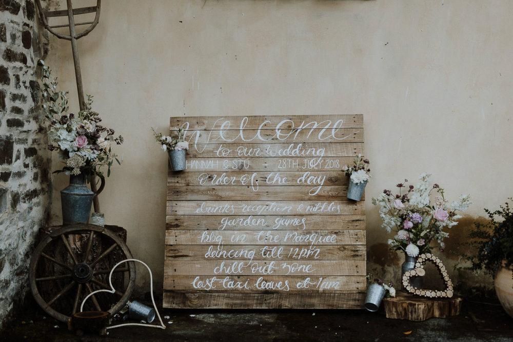 Alternative wedding order of the day