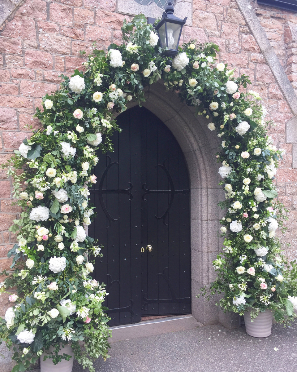 Wedding Arches Ideas: 4 Royal Wedding Ideas To Recreate