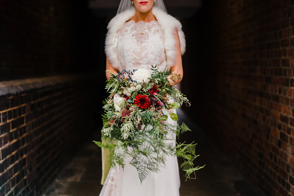 Christmas Wedding Bouquets Uk.Candlelit Christmas Wedding At Gray S Inn London With Carols