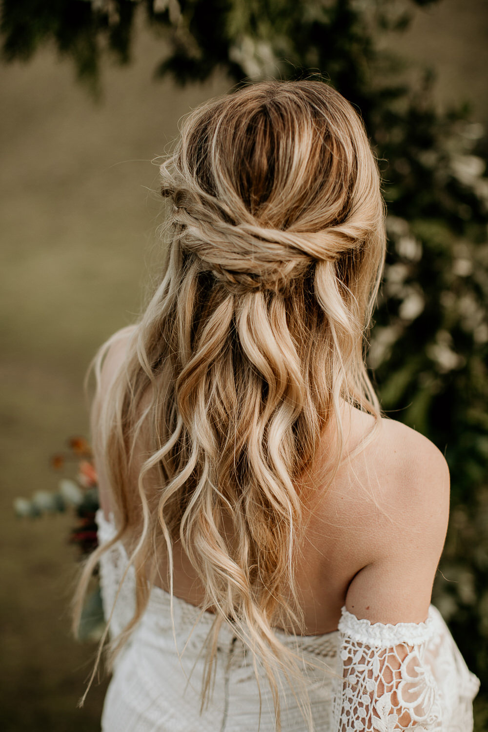 Wedding Hair And Makeup Ct Jonathan Edwards Winery: Beautiful Bridal Half Up Half Down Wedding Hair Inspiration