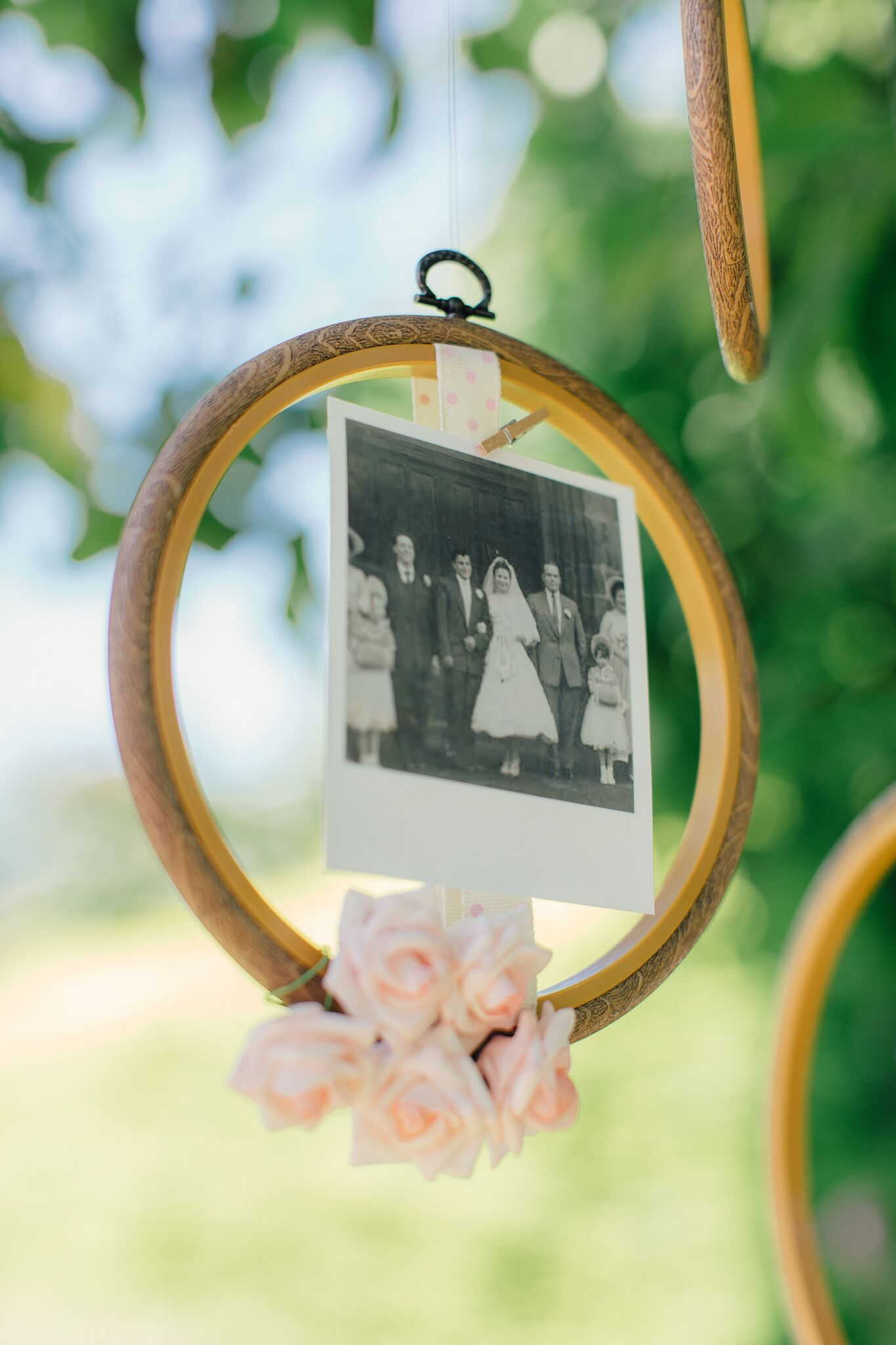 f9f22e82d5e1 How to create a simple DIY Family Tree with wedding photos using embroidery  hoops