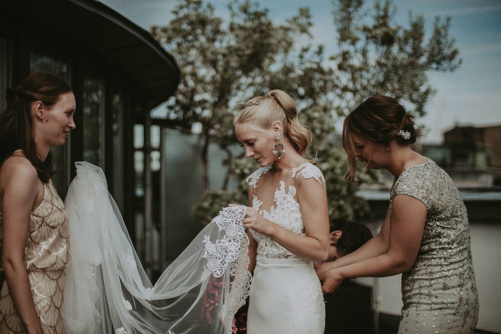 Pronovias Vicenta Second Hand Wedding Dress On Sale: Second-Hand Wedding Dress For Stylish London Rooftop