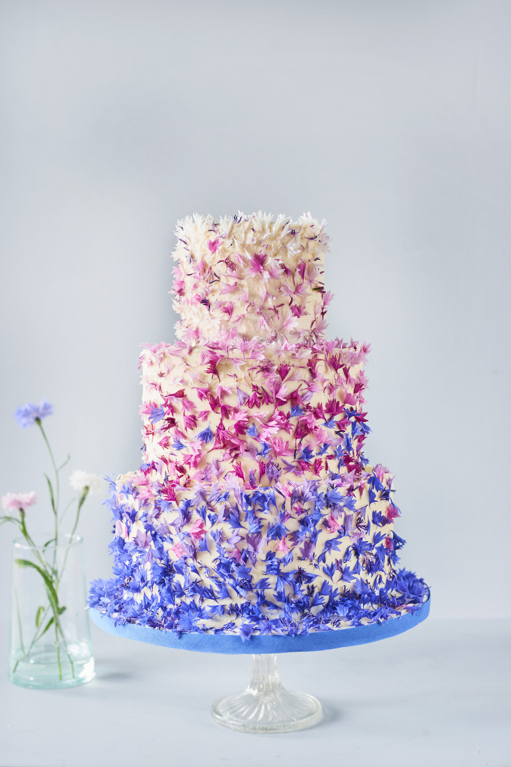 how much wedding cake do i need for 50 guests wedding cake how much cake do i need to feed my guests 15544
